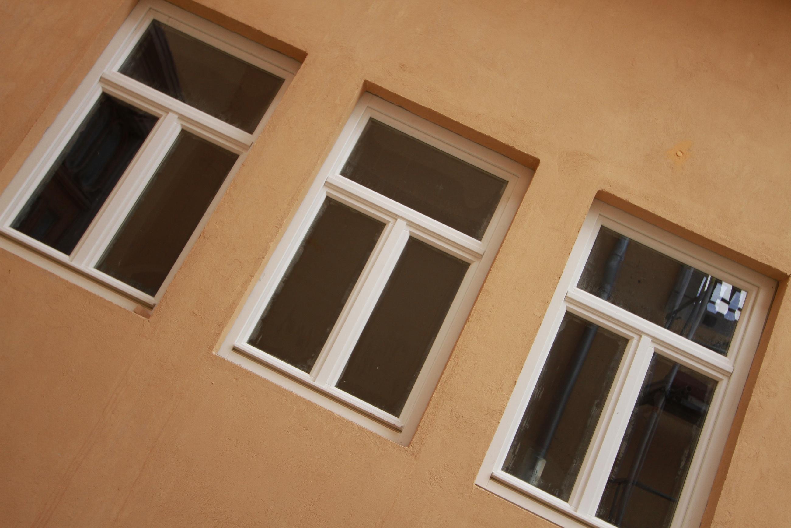 Moderne holzfenster mit schmalem rahmen for Moderne wandbilder mit rahmen