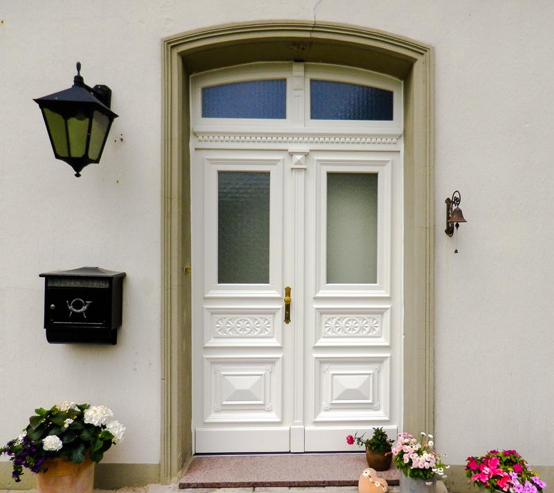 Haustüren alter stil  Mehrflügelige historische Haustüren und Eingangsportale ...